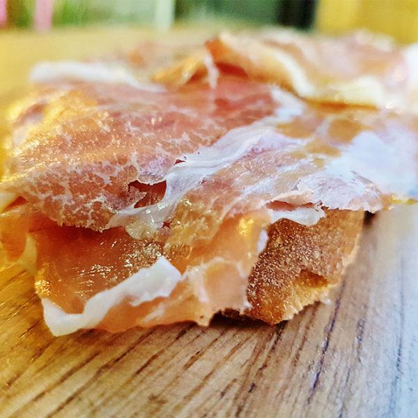 Extremadura Iberian ham toast with «pan tumaca»